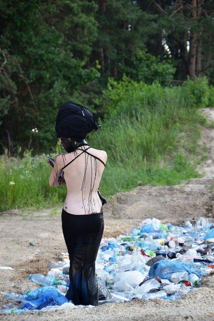 Топ-модель по-украински: участникам пришлось ходить по битому стеклу - фото 95669