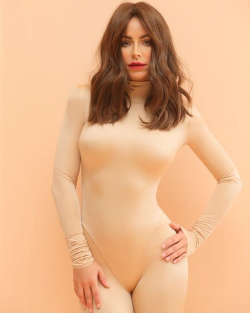 Ани Лорак показала тизер клипа 'Новый бывший', в котором ей увеличили грудь - фото 95252