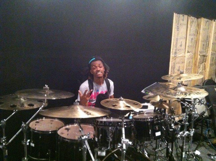 Тина Кароль наняла в свою команду барабанщика Джастина Бибера - фото 94292