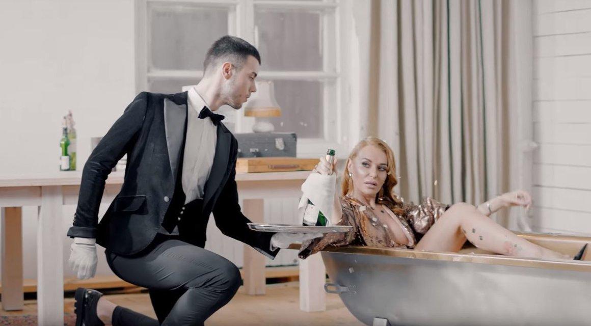 'НЕАНГЕЛЫ' разделись в новом клипе 'Это любовь' - фото 99374