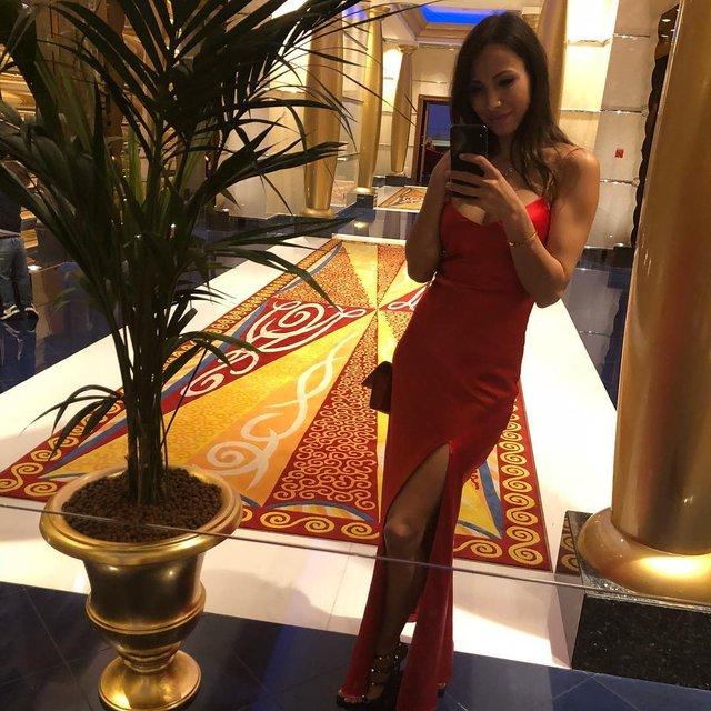 Жена Ярмоленко произвела фурор откровенным снимком в бикини - фото 99473