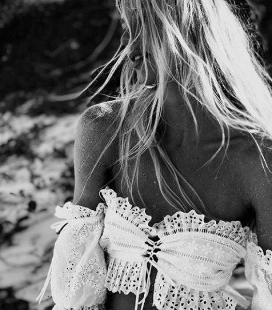Кэндис Свейнпол взбудоражила откровенными пляжными снимками (фото) - фото 94809