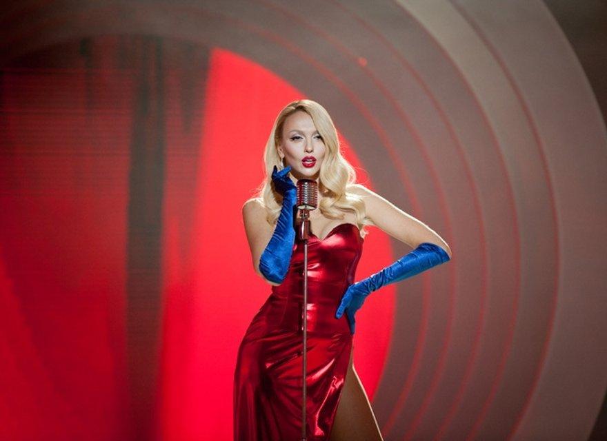 Оля Полякова, Тина Кароль и другие звезды показали свои роскошные новогодние секси-наряды - фото 94954
