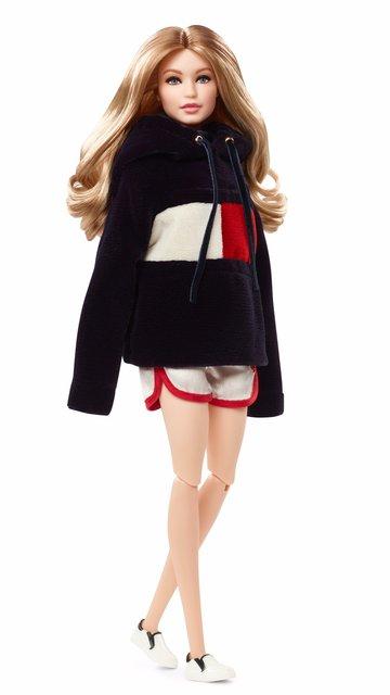 Barbie выпустили куклу Джиджи Хадид - фото 95424