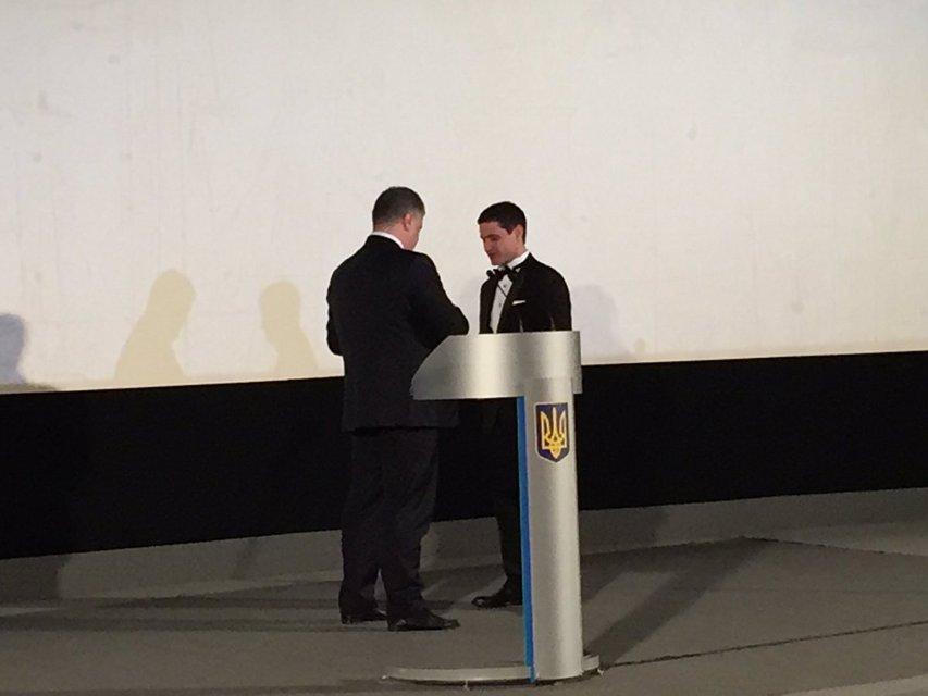 Киборги: Ахтем Сеитаблаев получил престижную награду в день премьеры - фото 95436