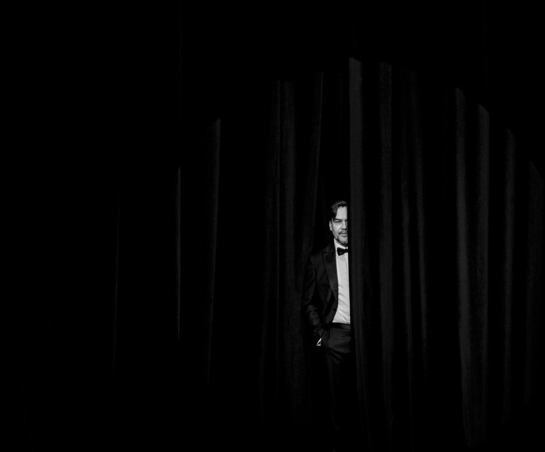 Юрий Андрухович на сцене киевского театра - фото 94425