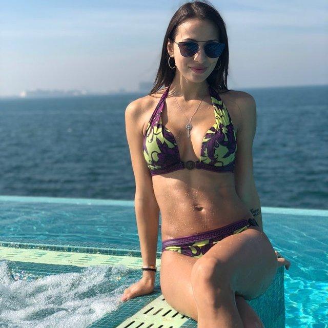 Жена Ярмоленко произвела фурор откровенным снимком в бикини - фото 99475