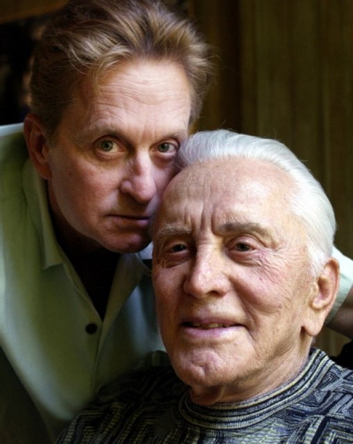 Отцу Майкла Дугласа исполнился 101 год  (фото) - фото 96496