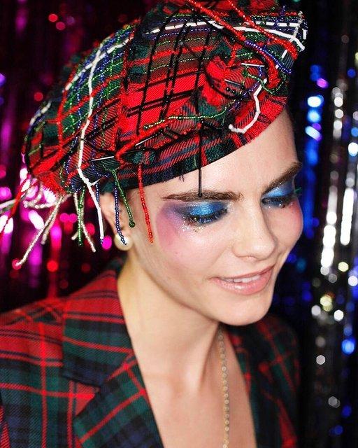 Кара Делевинь без белья стала центром внимания вечеринки в Лондоне - фото 94779