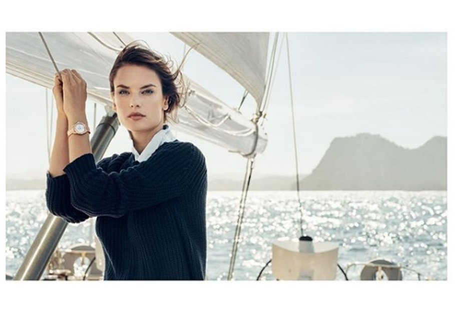 Алессандра Амбросио разделась для рекламы часов с бриллиантами - фото 95063