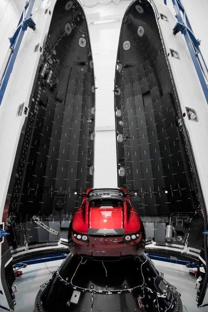Tesla Roadster запустят на Марс - фото 99024