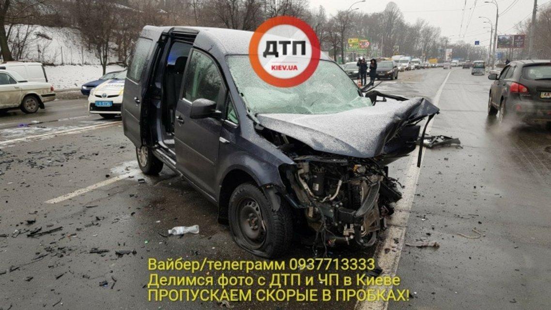 В Киеве в результате в ДТП погиб полицейский - фото 108822