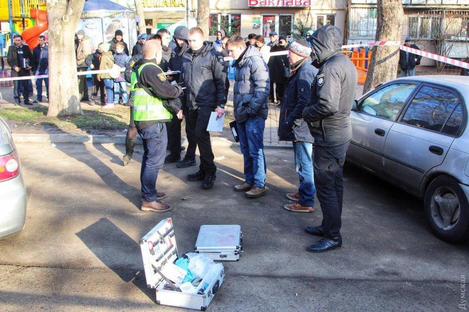 В Одессе произошла перестрелка у детской площадки, есть пострадавшие - фото 105923