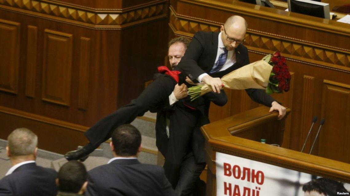 Мартовский заяц: Как и почему Яценюк стал политическим трупом - фото 107018