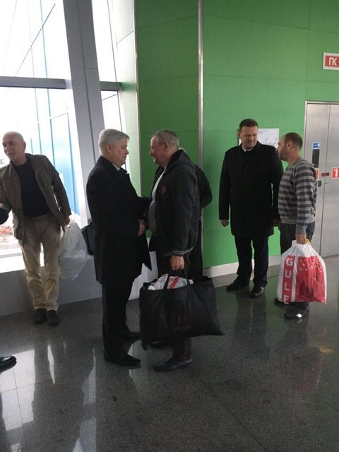 Четверо украинцев вернулись домой из многолетнего плена в Ливии - фото 106022