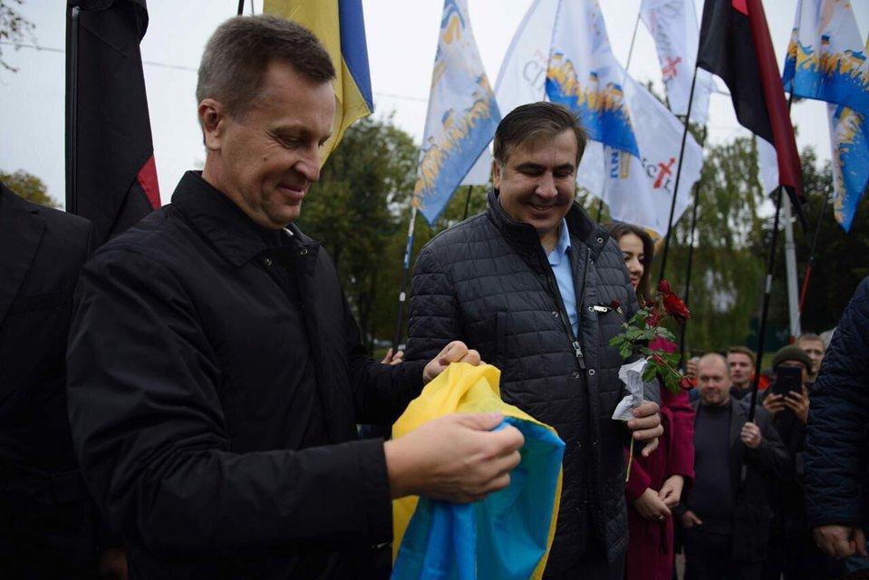 С виду шут - в душе король: Почему шоу Саакашвили рискует стать бесконечным - фото 107794