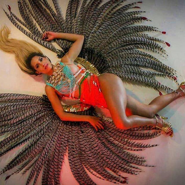 В Рио-де-Жанейро стартовал знаменитый карнавал (фото, видео) - фото 107774