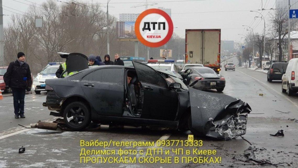 В Киеве в результате в ДТП погиб полицейский - фото 108823