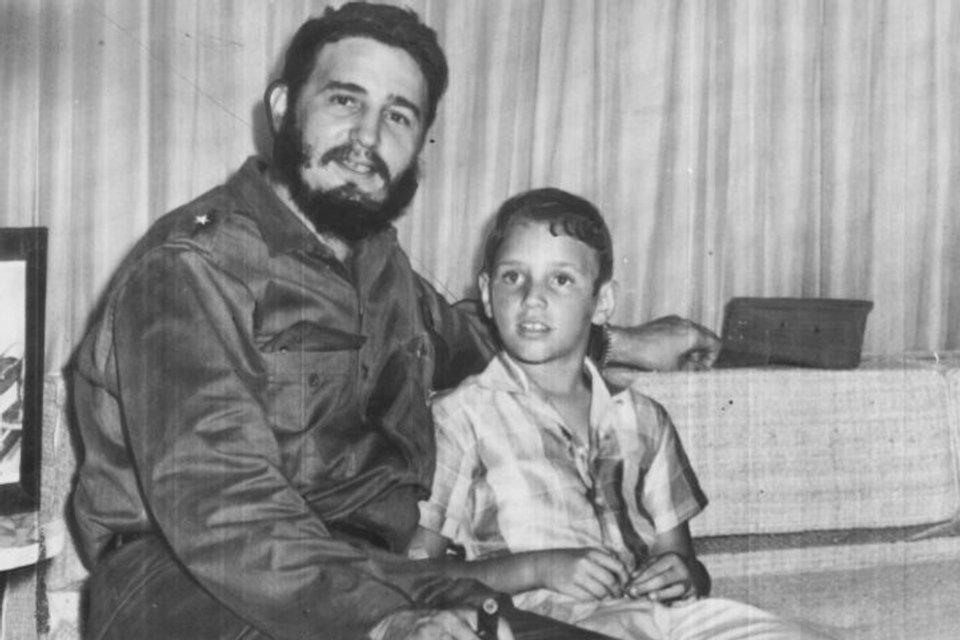 Фидель Кастро и его старший сын - фото 106055