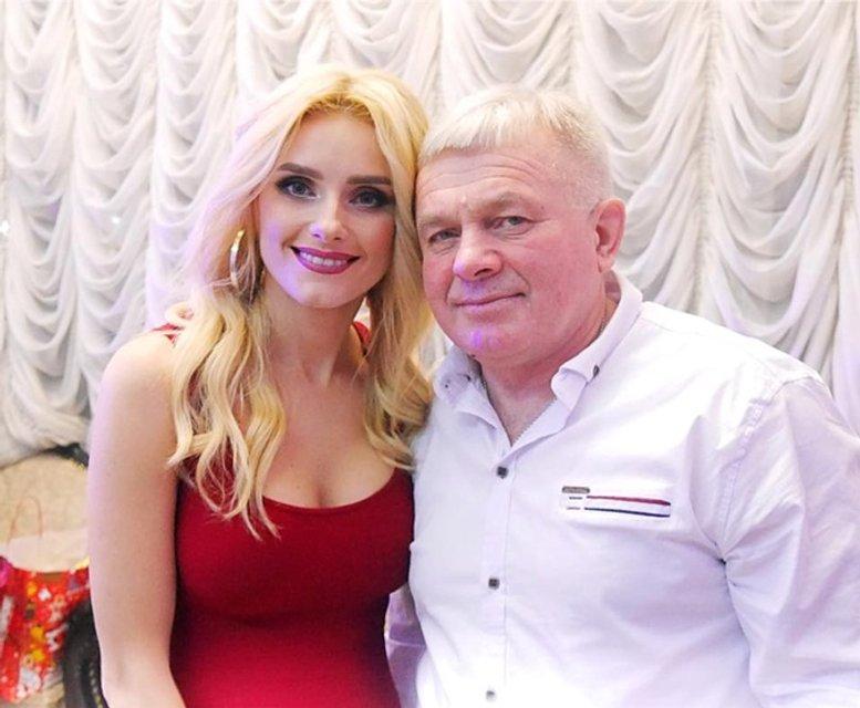 Ирина Федишин подарила отцу Мерседес вместо Ланоса, который убила на гастролях - фото 107295