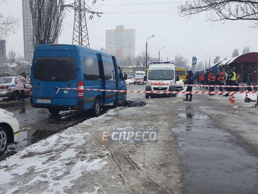 В Киеве зарезали мужчину на остановке за замечание - фото 107808