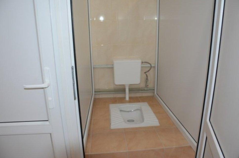 В школе Винницкой области чиновники помпезно открыли туалет - фото 108125