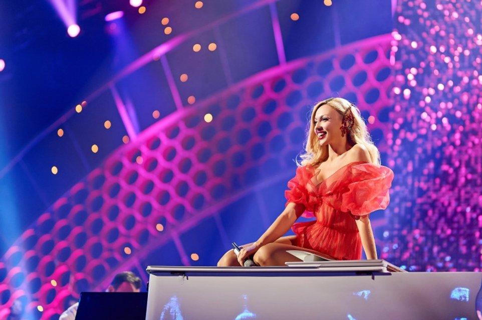 Viva самые красивые-2018: у Оли Поляковой порвалось платье прямо на сцене - фото 106587