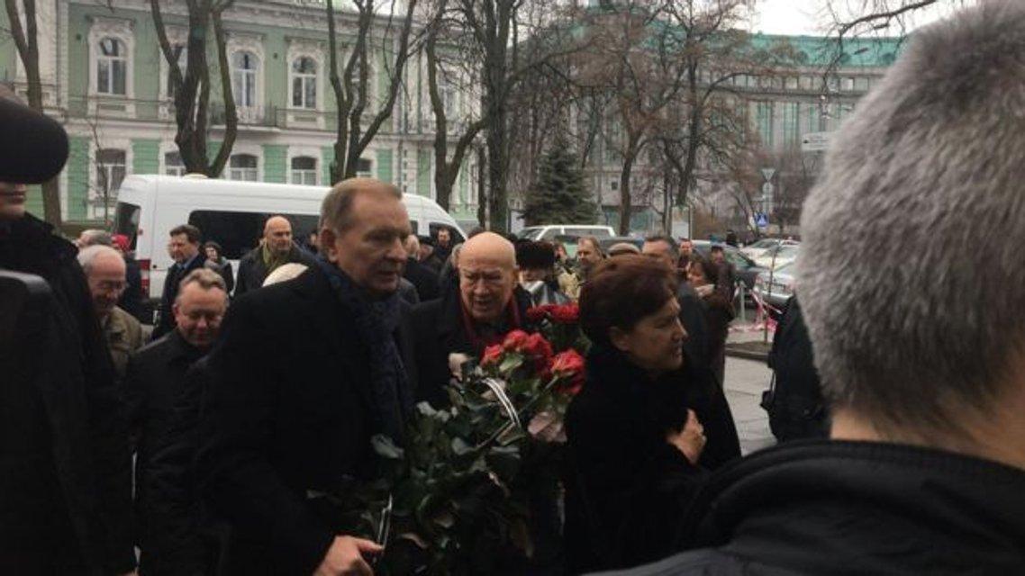 В Киеве прощаются с космонавтом Леонидом Каденюком - фото 106083