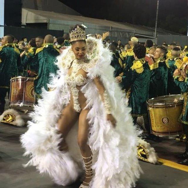 В Рио-де-Жанейро стартовал знаменитый карнавал (фото, видео) - фото 107775