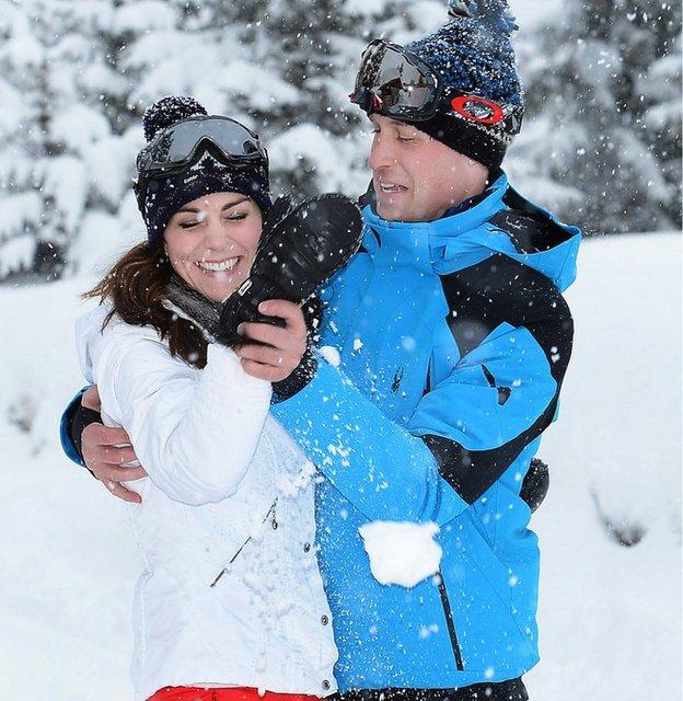 Кейт Миддлтон рассказала, как принц Джордж стал на лыжи в первый раз - фото 106909