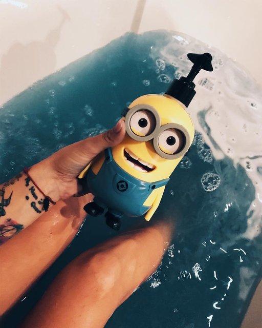 Экс-ведущая Орел и Решка показала пикантное фото в ванной - фото 108820