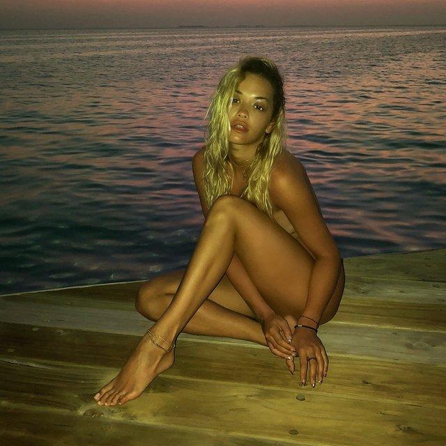 Интимные фото Риты Оры появились в сети - фото 108032