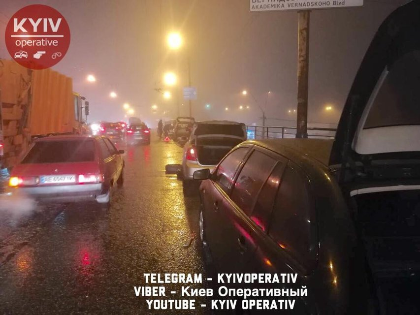 Пробки на Шулявском мосту - фото 107708