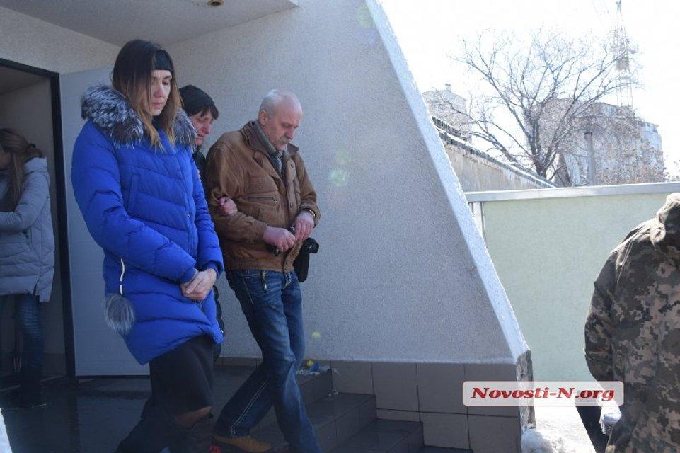 В Николаеве попрощались с летчиком Волошиным  (фото, видео) - фото 114986
