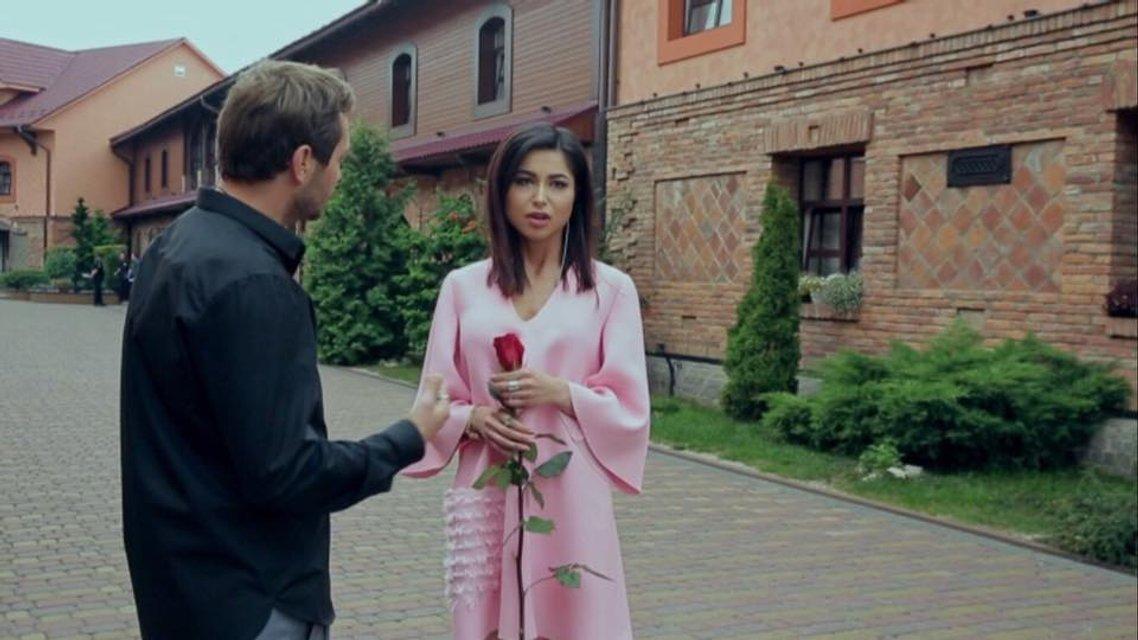 Холостяк 8 сезон 2 выпуск: Римму Федорову увела полиция - фото 114102