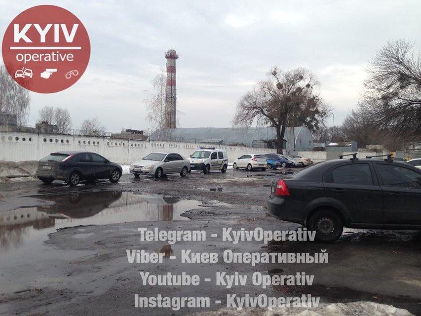 В Киеве в промзоне нашли труп младенца - фото 113302