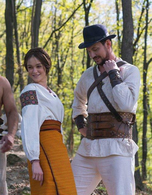 Легенда Карпат: Мария Яремчук и Валерий Харчишин на фото со съемок фильма - фото 112340