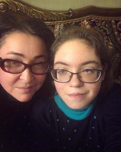Лолита Милявская заберет дочь учиться из Украины в Россию - фото 120353
