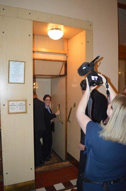 'Я боюсь': Москаль покатал посла США на уникальном лифте - фото 121529
