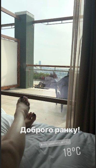 Катя Осадчая открыла купальный сезон - фото 121588