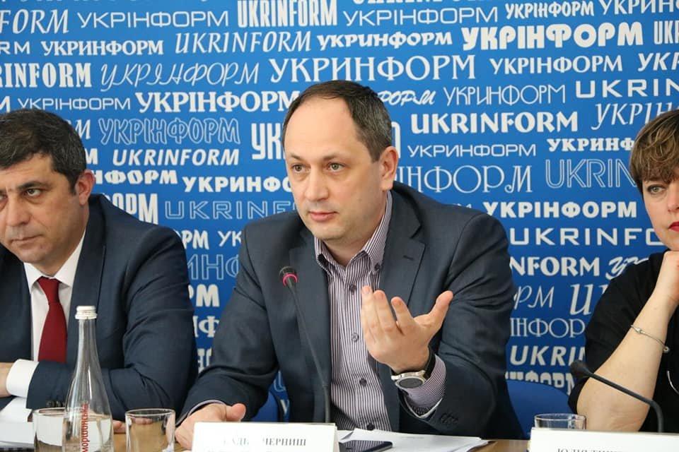 Обіцянка повернути(ся): Чому план уряду з реінтеграції Криму викликає сумніви - фото 122181