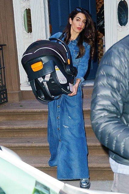 Амаль Клуни засветила лицо дочери - фото 120634