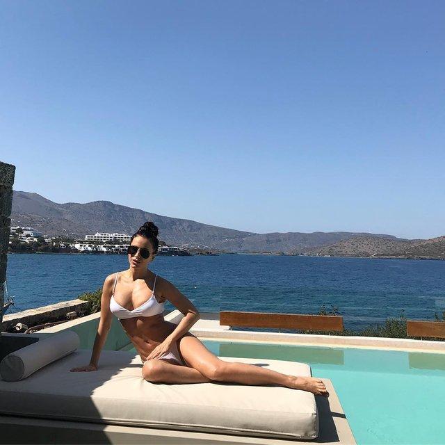 Ани Лорак в купальнике похвасталась фигурой - фото 122109