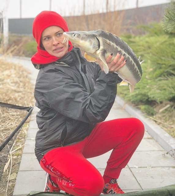Даша Астафьева похвасталась уловом - фото 118016