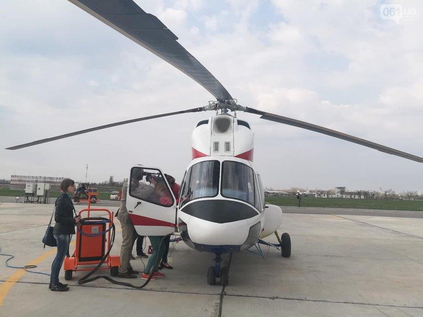 В Запорожье подняли в воздух новый украинский вертолет - фото 119844