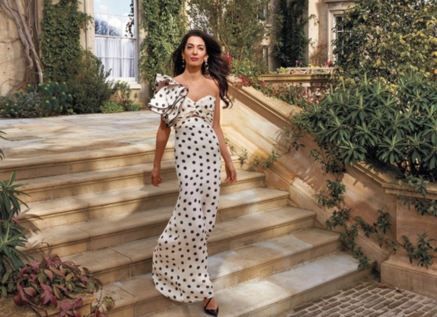 Амаль Клуни впервые позировала для глянца - фото 118652