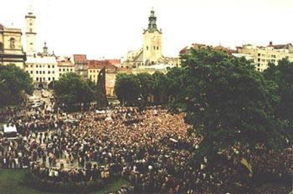 Парадокс Білозіра: Як російська мова домінує у Львові - фото 118598