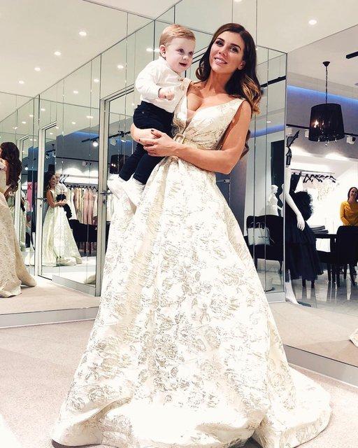 Анна Седокова в свадебном платье заинтриговала фанатов - фото 121722