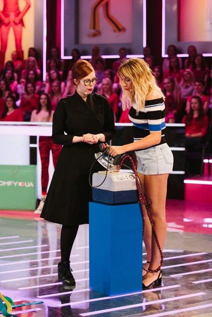 Соня Плакидюк была продавщицей картошки, а Леся Никитюк гладила рубашки - фото 125794