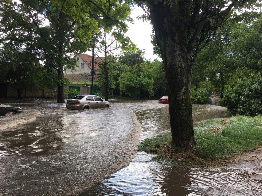 Херсон затопило после сильного дождя (фото) - фото 126248